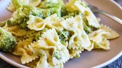green giant Bowtie Pasta Alfredo with Tuscan Broccoli